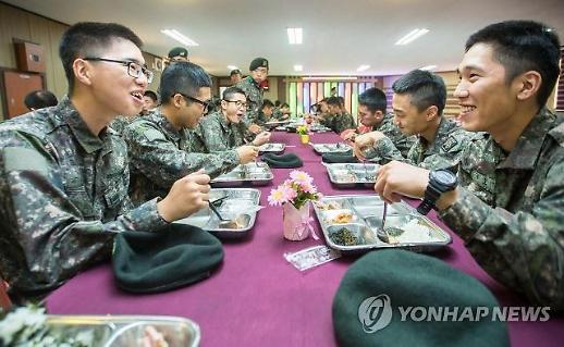 치킨텐더·통새우볶음밥·소양념갈비 8월부터 군대 급식으로 나온다