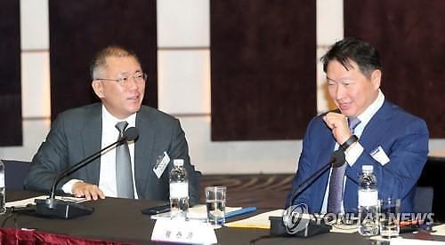 정의선-최태원 오늘 배터리 회동...전기차 배터리 협력 논의