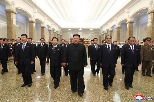 北 김정은, 김일성 사망 26주기 금수산태양궁전 참배…대외메시지 無
