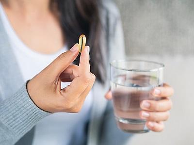 제약업계 치매치료제 콜린알포세레이트 건강보험 축소는 부당