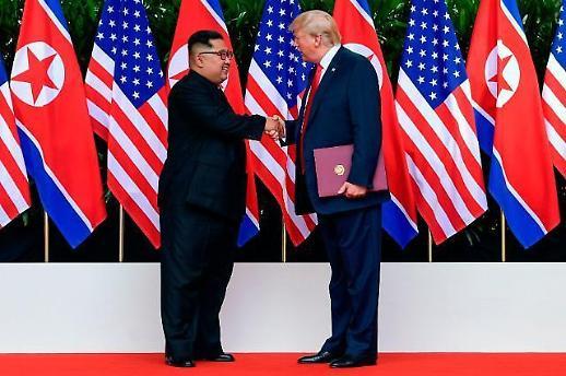 한반도 비핵화 또 멀어졌다…북미, 대화 문 열면서도 서로 공 떠넘겨
