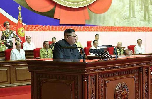 바쁘게 움직이는 김정은…노병대회 연설서 핵 보유 정당화 (종합)