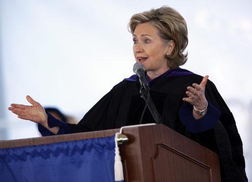 .Clintons Diplomacy Clicks with Barnard Grads .