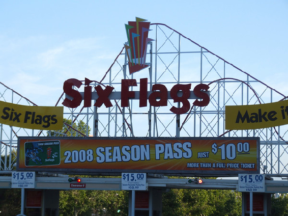 .U.S. Amusement Park Files for Bankruptcy Protection.