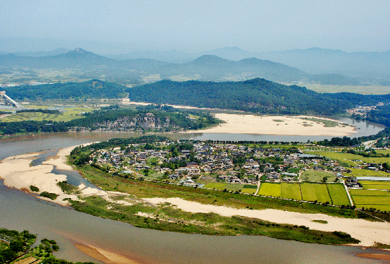 河回村和良洞村被列入《世界遗产名录》
