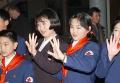 .北韩第一夫人李雪主儿时曾访问过韩国.