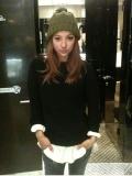 ".K-entertainment: Sexy singer, Hyori Lee, ""I am hungry.""."