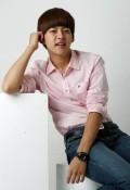 .U-kiss成员东浩宣布退出组合停止演艺活动.