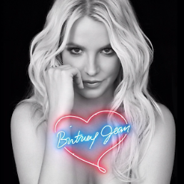 .Britney Spears maybe planning a secret wedding in Hawaii while promoting 'Britney Jean'.