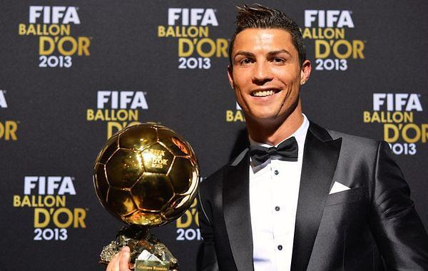 C罗荣膺2013年FIFA金球奖