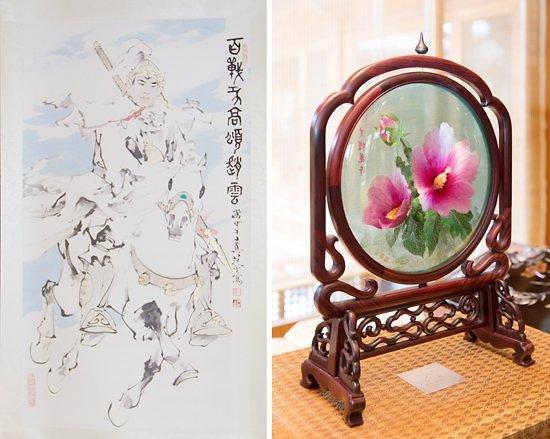 赵云画像和木槿花玻璃工艺品