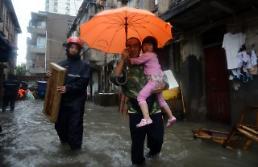 [영상중국] 16호 태풍 풍웡 북상 곧 중국 상륙, 중국 연안따라 이동할 듯