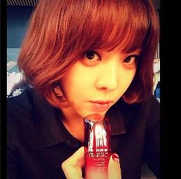.[K-pop] Brown Eyed Girls member Narsha posts her selfie on Instagram.