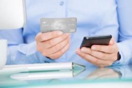 韩40%有手机购物经验 中年人比重增加