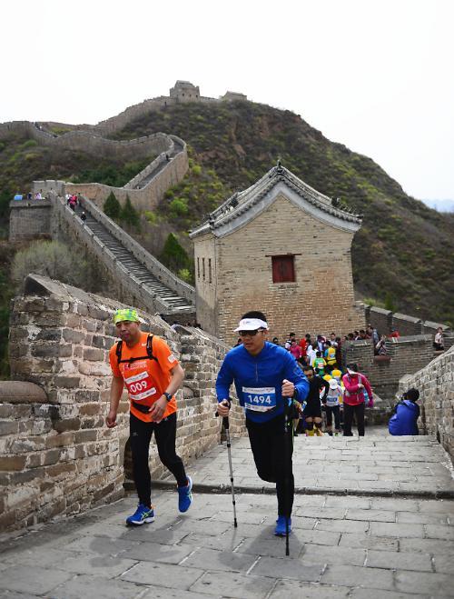 [영상중국]세계 10대 이색 마라톤, 중국 '만리장성을 달려라'