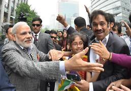 .Indian Prime Minister Modi visits Cheonggyecheon .