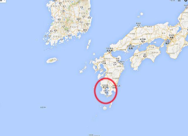 제주도 인접 일본 가고시마현 화산 폭발..화산재·화산석 인근 해안 도달