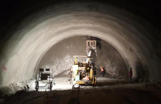 세계 3번째 국내 최장 50.3㎞ 율현터널 관통