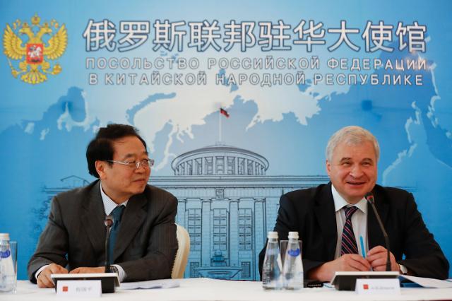 시진핑, 중국 열병식 오는 푸틴에 '통큰' 선물