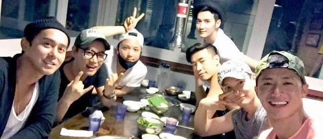 1st-generation idol group Click-B to return
