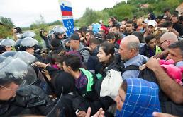 .欧盟官员表示不会关闭边境 匈克等国阻止难民进入 .