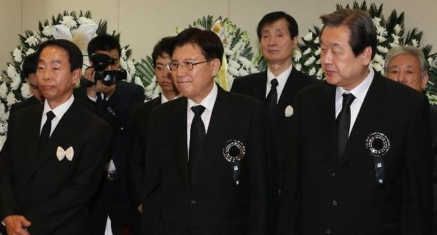 YS, 정치역정은 '직선'…내면은 따뜻했던 지도자
