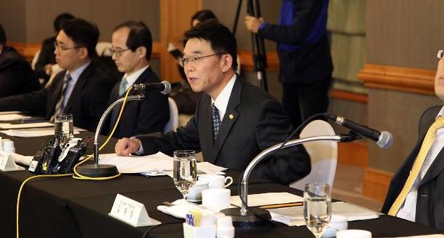 강호인 국토부 장관 '주택공급 과잉 우려' 표명