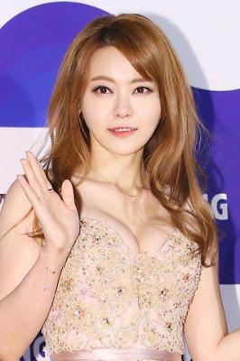 레드카펫을 빛낸 배우들 (36회 청룡영화상)