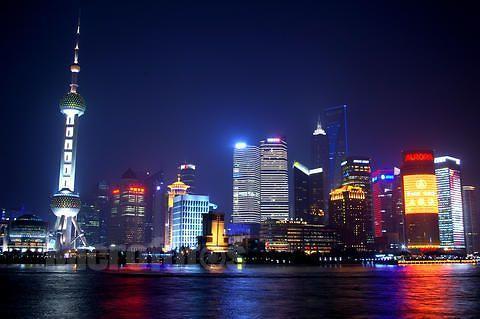 上海踩踏悲剧一周年 外滩取消一切跨年活动