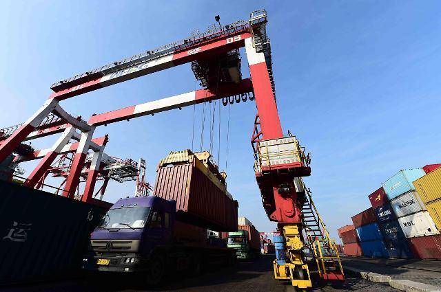 2015年中国进出口额双降 总值同比下降7%
