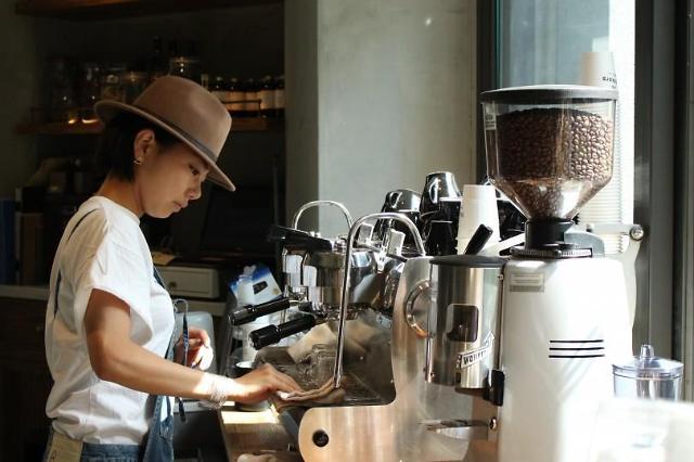 직접 커피 내리는 홈카페족, 2016년 커피 트렌드 이끌 것…바리스타 처우 개선해야