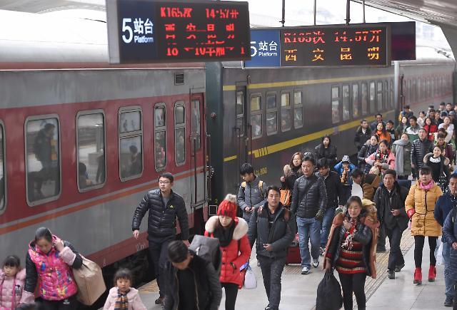 2016年春运启动 或发送旅客近30亿人次