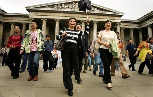 中国出境人次和消费居世界之首 旅游投资首破万亿