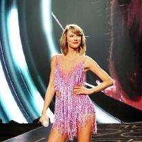 Taylor Swift to launch her own mobile game