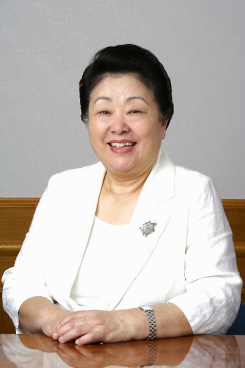 韩国爱敬董事长张英信:忍耐成就了现在的我
