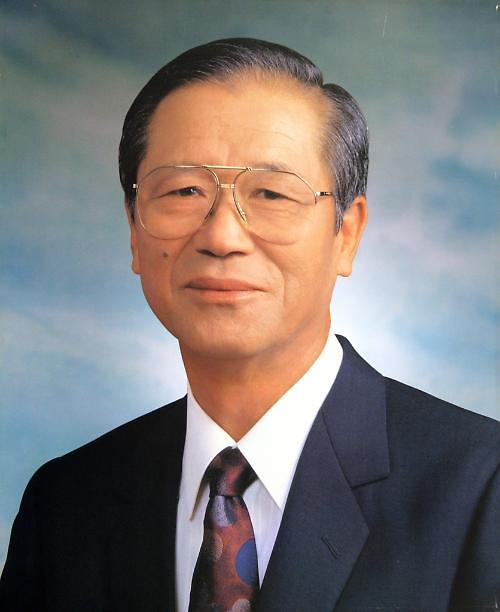 韩国可隆集团名誉会长李东灿:事业要予后代丰衣足食