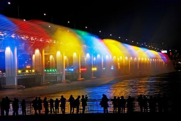 今夏首尔五座大桥亮灯 璀璨夜景吸引中日游客