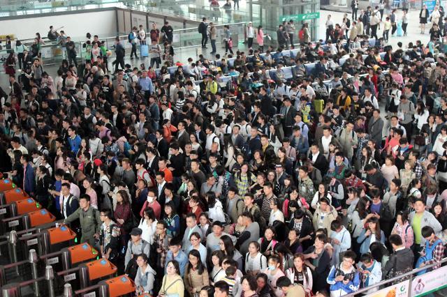 [영상중국] '3일부터 출근' 노동절 연휴 마무리