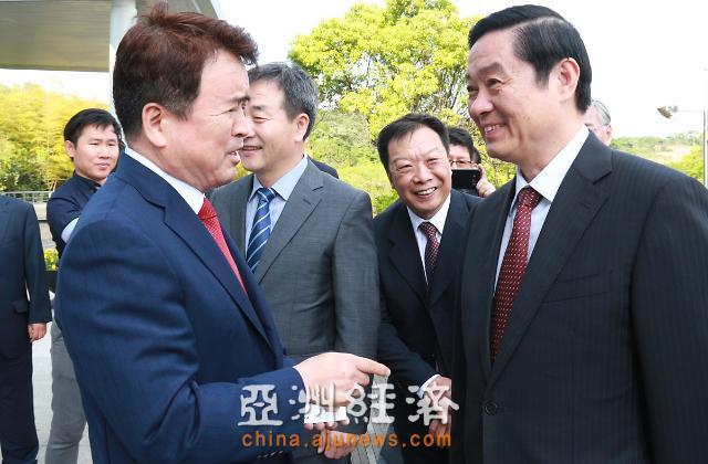 """刘奇葆出席""""美丽中国""""济州图片展 中韩文化交流更上一台阶"""