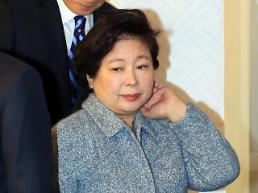 Widowed Hyundai group boss stands on shaky ground