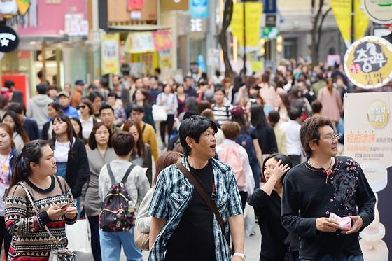 """韩政府为提升旅游业""""内优外唤"""" 放宽民宿竞争高亮退税牌"""