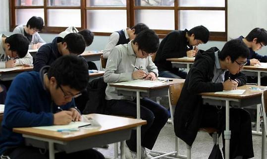 韩国陷低生育泥潭 大学将缩小招生规模