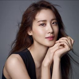 Avengers Claudia Kim joins cast of The Dark Tower