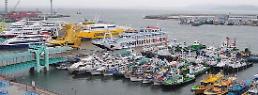 .今年上半年沿岸游船乘客规模达772万人次 有望刷新最高纪录 .