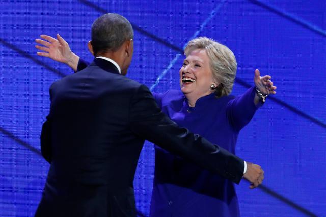 오바마 '클린턴은 나보다 대통령직에 적합한 후보'