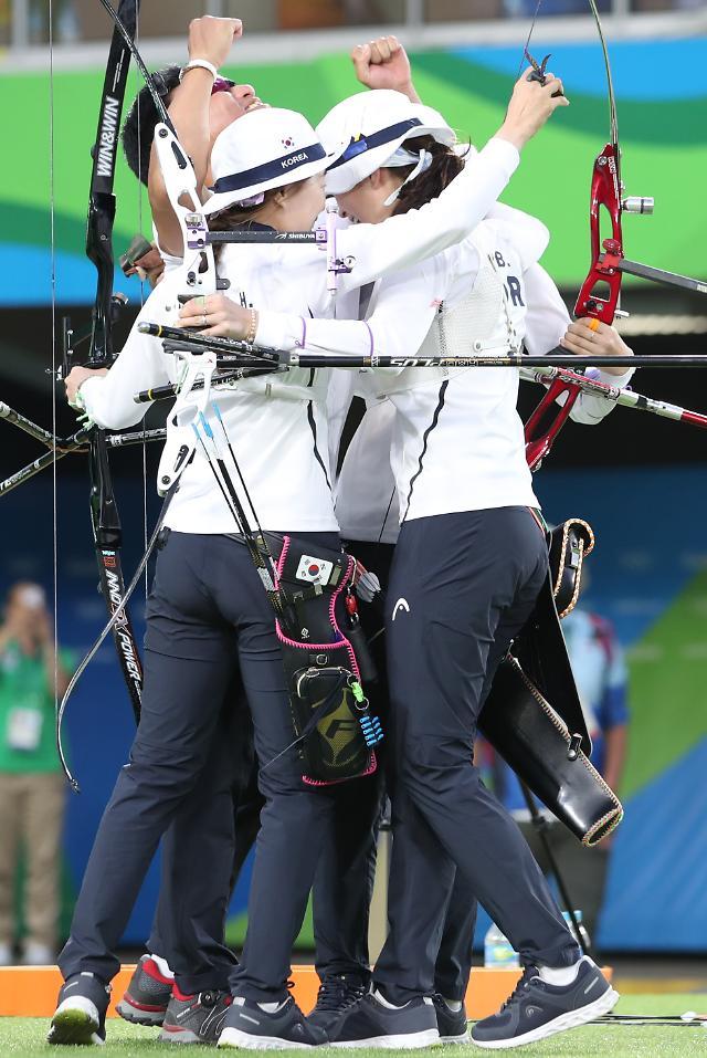 韩女子射箭队夺团体赛金牌 实现恐怖8连冠
