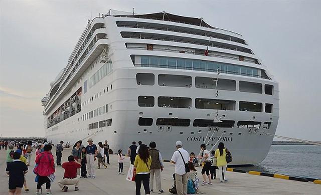 韩国济州港游客激增 基础设施不足将建新港