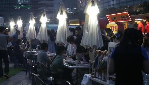 """好吃好玩好看 首尔市政""""夜猫子夜市""""最受外国人喜欢"""