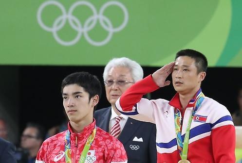 男子跳马朝鲜李世光获金牌