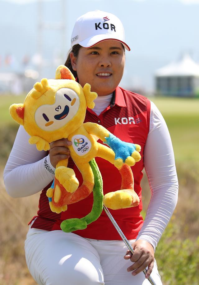 韩国女子高尔夫名将朴仁妃冲金